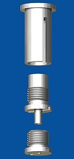 Kombination aus Deckenbefestiger M10x1, M6i mit Schlitz und Schraubkappe M10x1 und Drahtseilhalter Typ 15 M10x6A